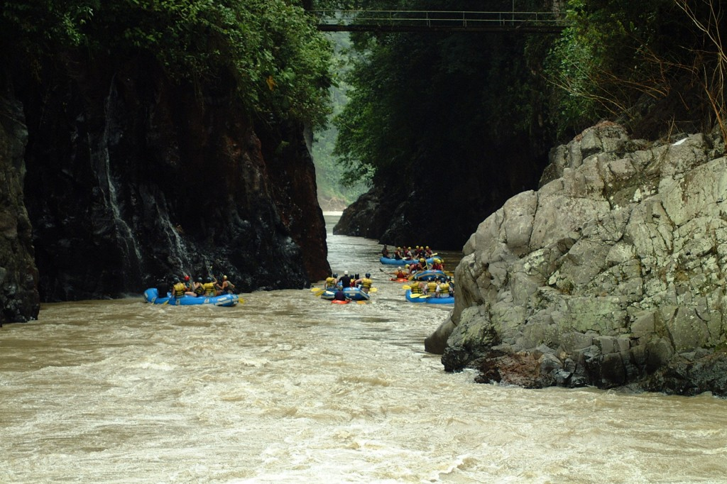 Rafting through a canyon on the Rio Pacuare